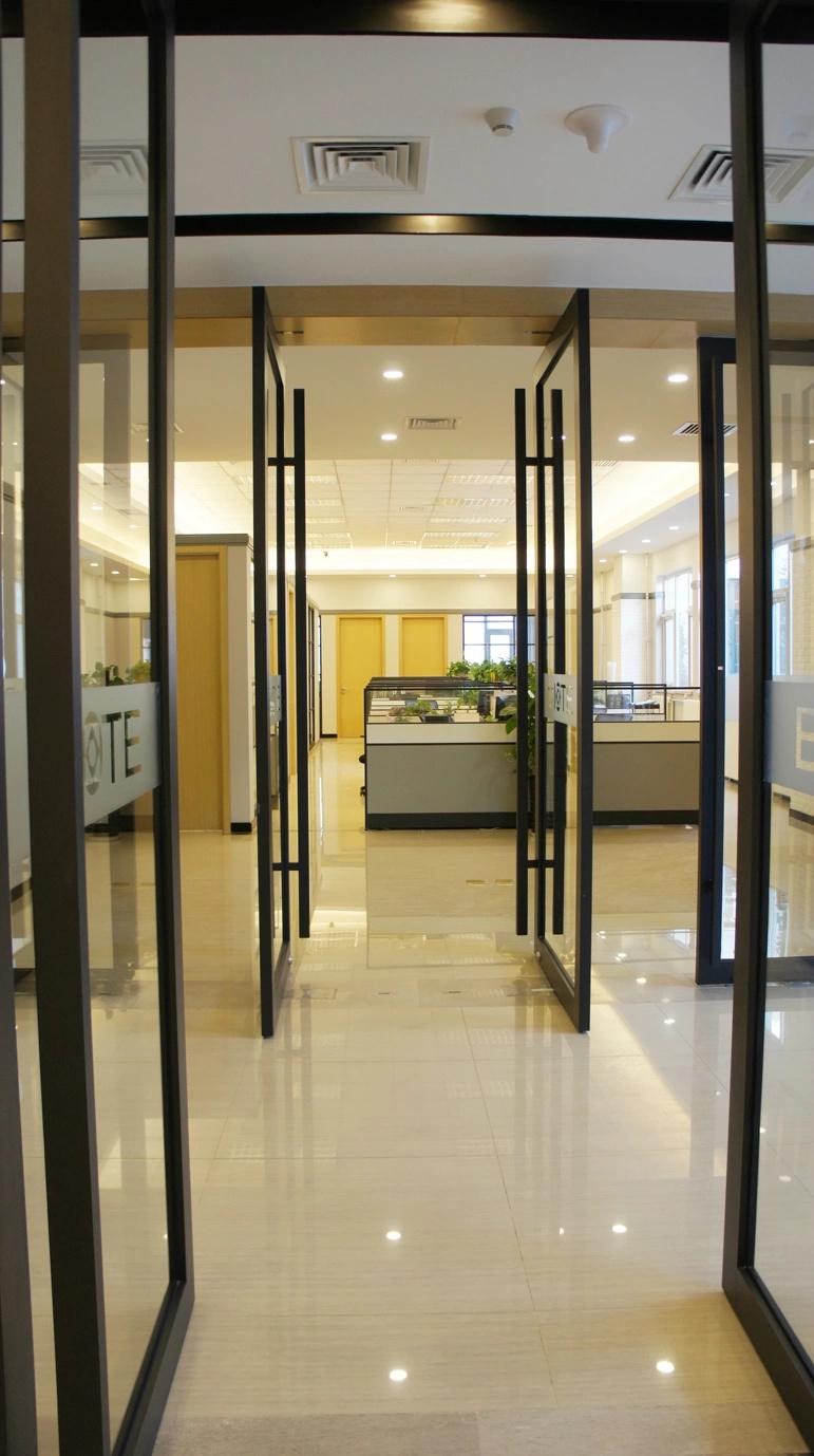 書房1 書房的一個角落,室內景觀   碳素噴涂旋轉門既分隔行政辦公區