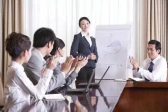 销售员怎样拉近客户关系?利用提问引起客户的兴趣