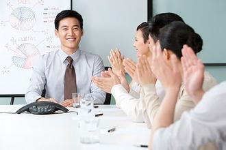 """销售话术技巧:不给客户说""""不""""的机会"""