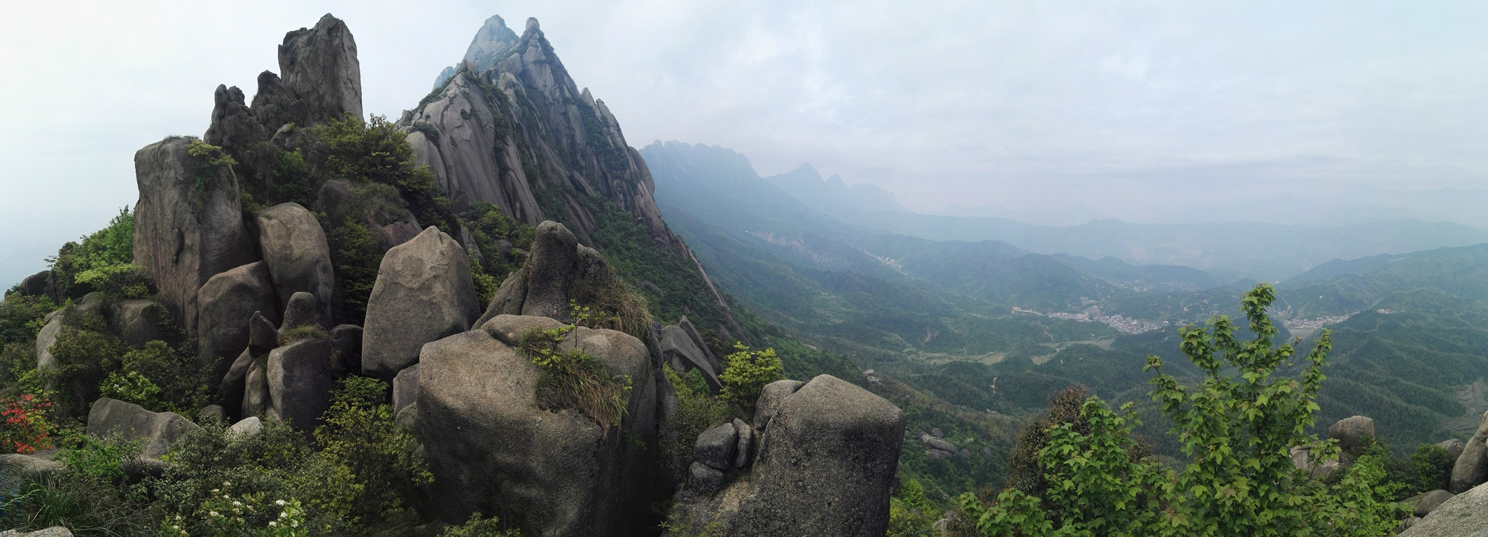 小贴士:上饶灵山风景名胜区地处江西省上饶市上饶县北部,是国家4a级