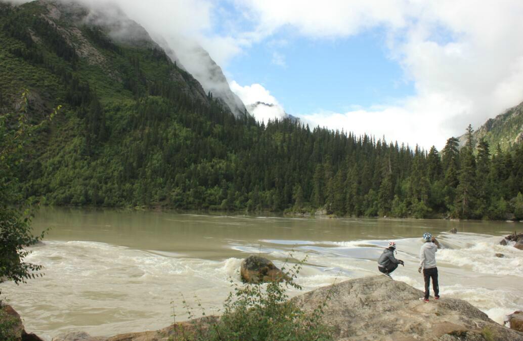 骑行川藏线(15) 然乌到波密 最美的风景最烂的路