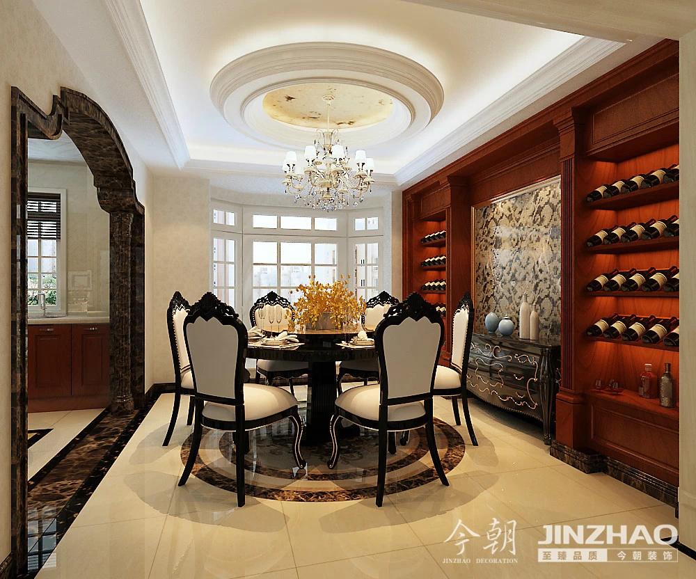 设计师:郑捷        风格:欧式      户型:三室两厅两卫     装修