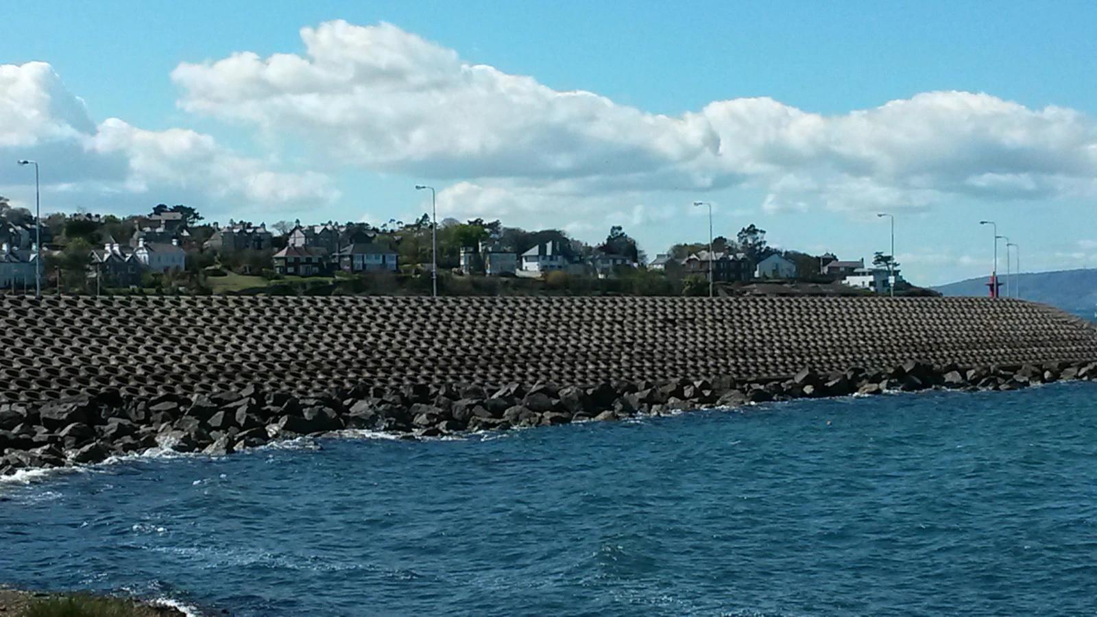 bangor的街景与爱尔兰海边城市相似,但是不同于苏格兰.