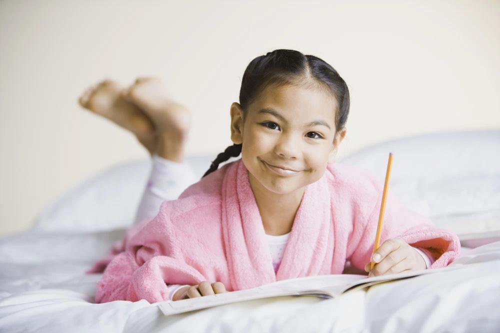 孩子习惯用左手写字,但是老师要求用右手写字怎么办